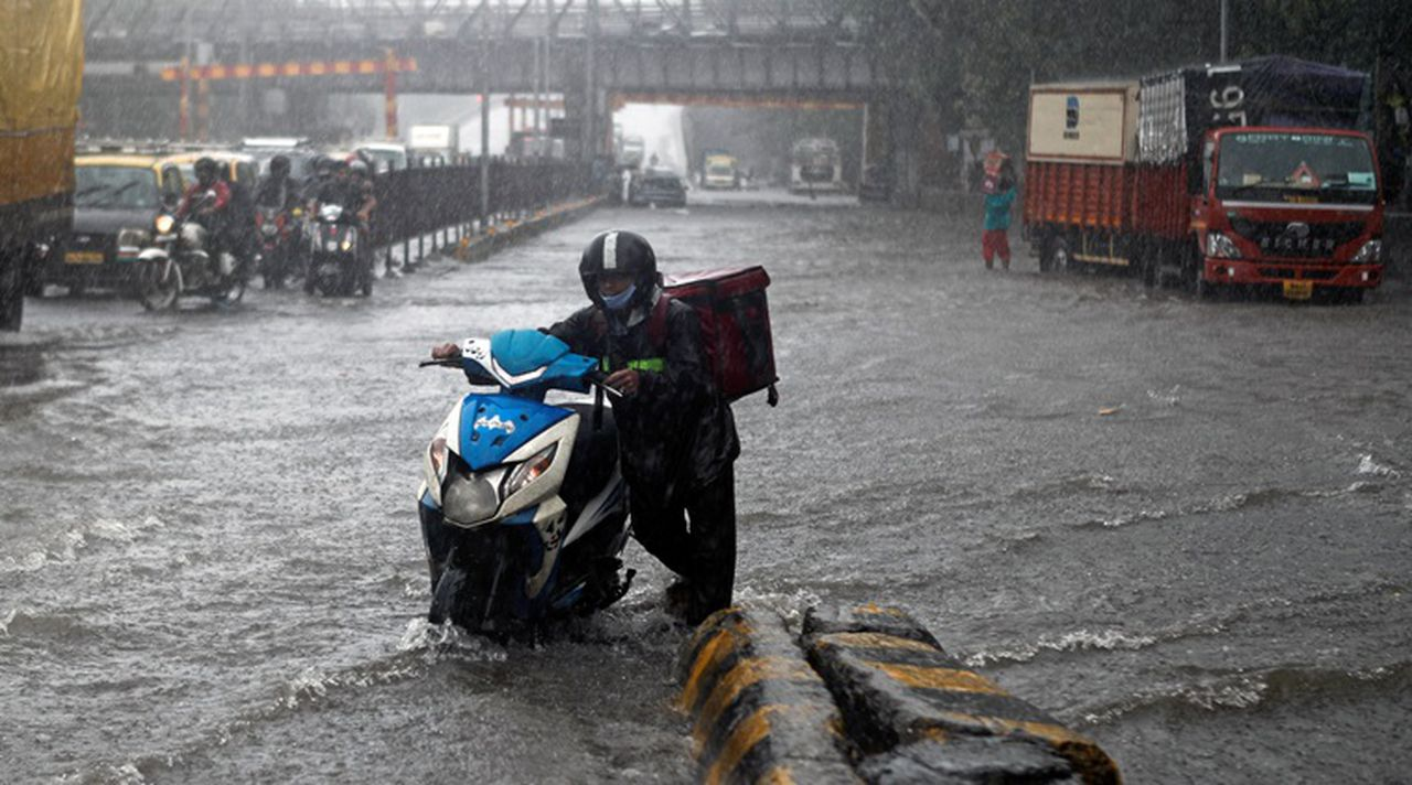 India's biggest city sees heaviest single-day rain in 46 years