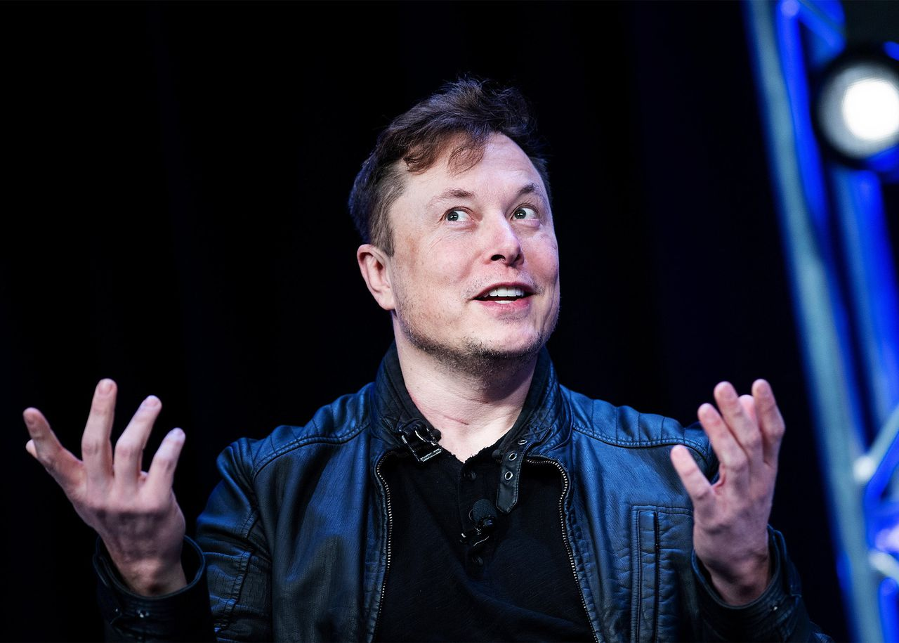 Elon Musk celebrates Tesla's performance by trolling SEC and short-sellers
