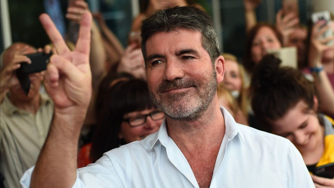Simon Cowell is back home one week after breaking his back, missing 'AGT' live shows