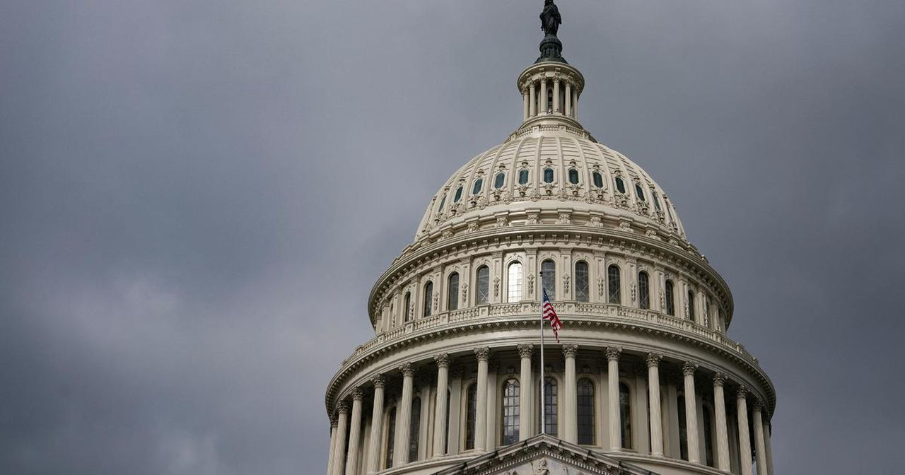 Senate approves $484 billion coronavirus relief package, boosting small business loans
