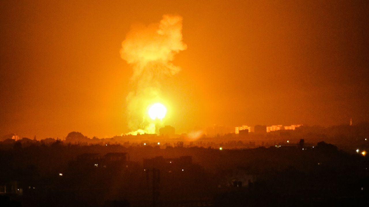 Israel carries out air strike on Gaza over balloon bombs, rockets