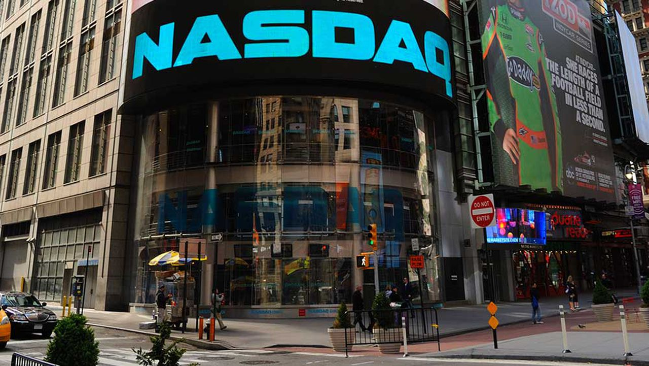 Dow Jones Jumps 200 Points, Helped By Bullish Gain For Apple Stock; Nvidia, AMD Lead Nasdaq 100
