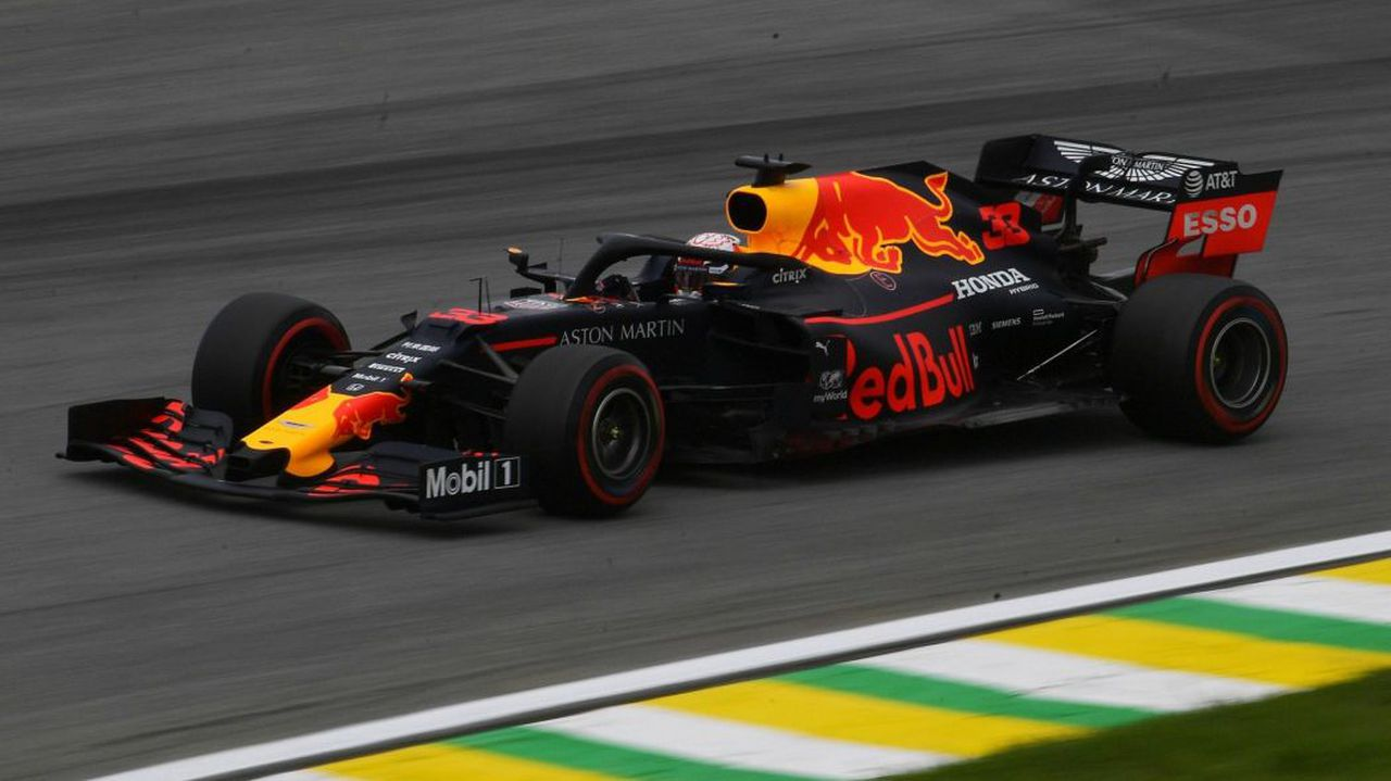 Verstappen wins, four collisions in dramatic Grand Prix finish. Image via Reuters.