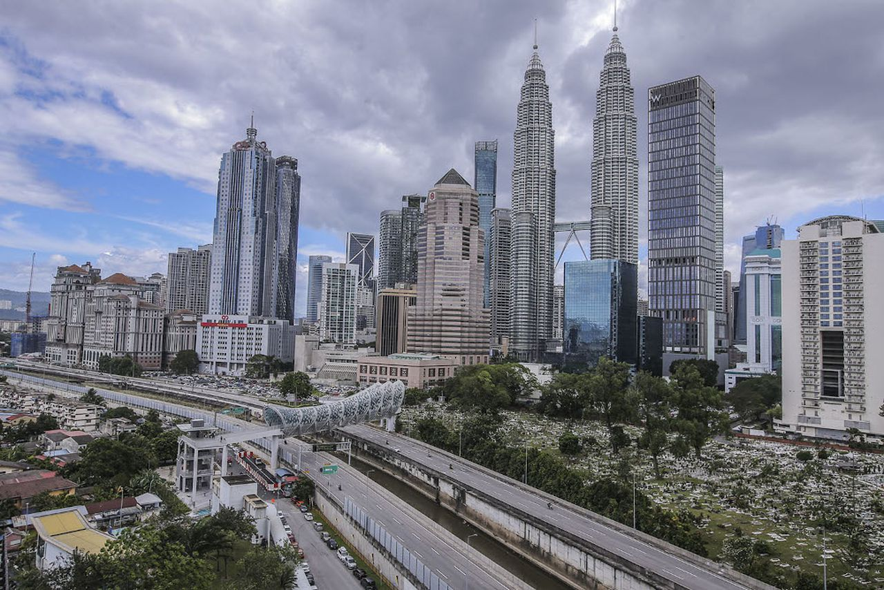 Malaysia cuts interest rate to the lowest level in history