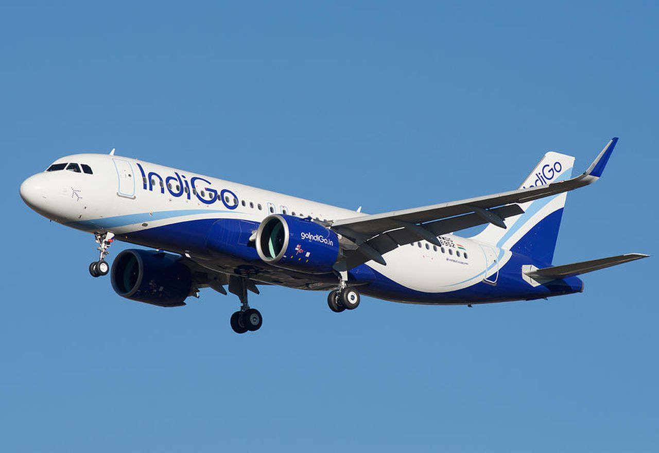 India's biggest airline to layoff 10% of staff